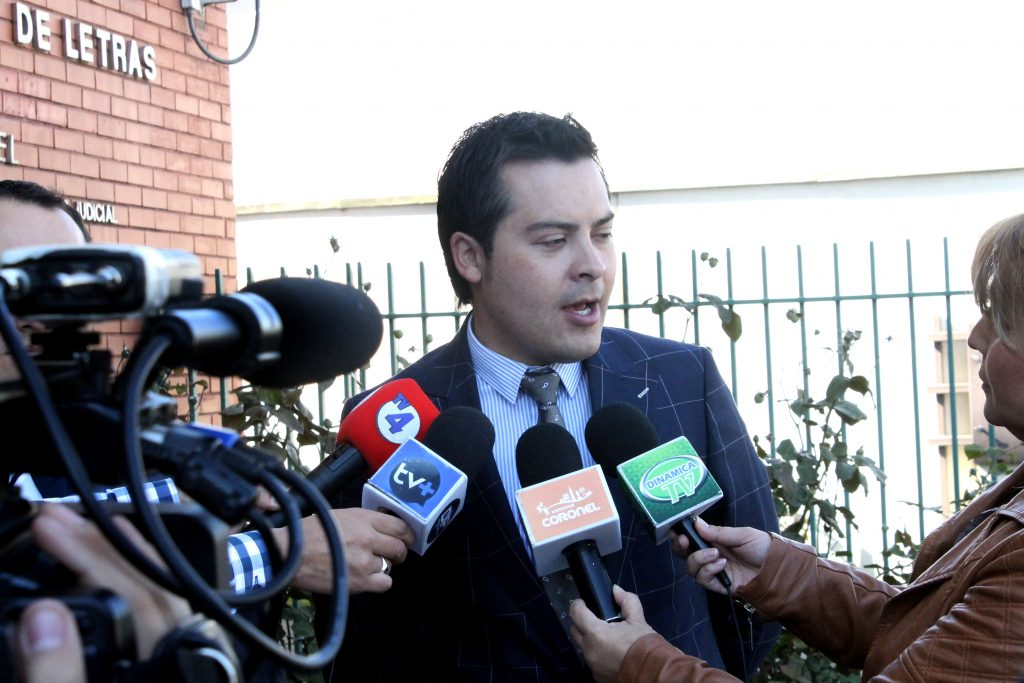 Alcalde  denuncia a dos empresas por no pago de patentes municipales
