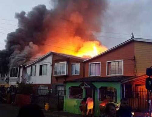 Incendio en Lota dejó 7 casas con pérdida total y decenas de damnificados
