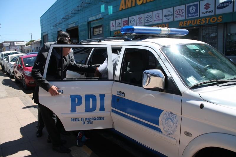 foto carro pdi detenido